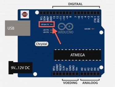 Arduino Uno - Het LEDje dat aan pin 13 zit